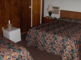 Motel Room 7 @ The Colonial Inn & Motel in Watkins Glen, NY